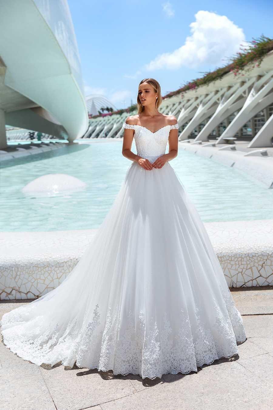 Vente De Robes De Mariee A Domicile Lady Bride